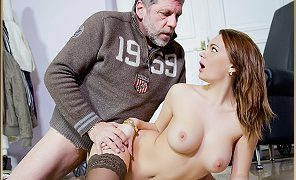 Emily Thorne Sex with Old man