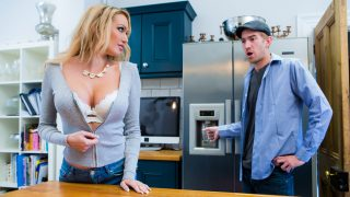 Brazzers – MommyGotBoobs – Amber Jayne – Dont Fuck The Mother In Law – 18.11.2016