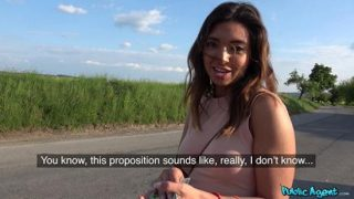 PublicAgent – Frida Sante (Mexican babe gives roadside blowjob)