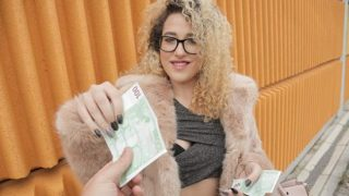 PublicAgent Alma Del Rey (Spanish bald pussy fucked)