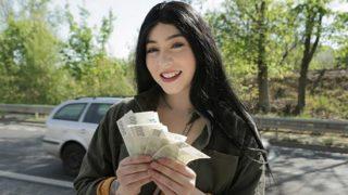 PublicAgent Amilia Onyx (Cash tempts busty American to fuck)